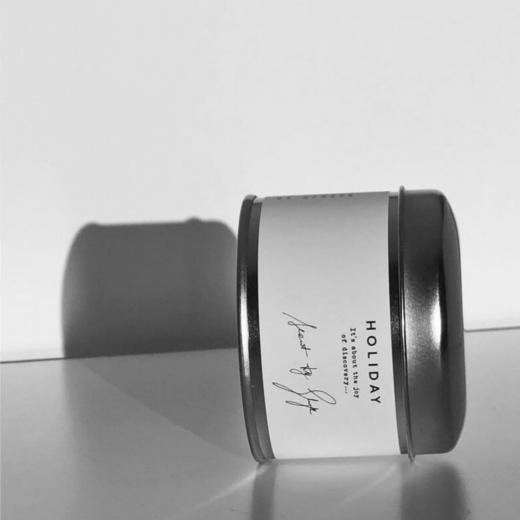 zapachowa świeca sojowa w srebrnej puszce